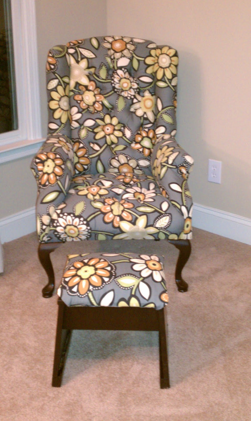 The Adventures of a German Girl: Wing Chair Recovery - Part II