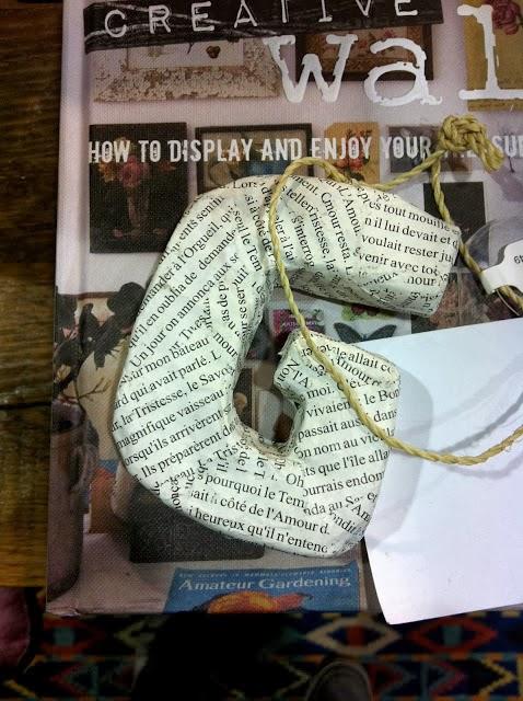 Letras de papel reciclado para navidad en Recicla Inventa