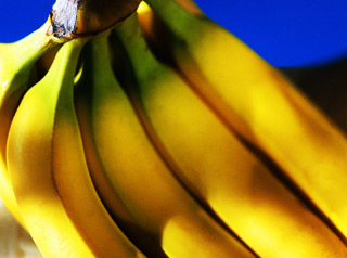 Салат из бананов и орехов