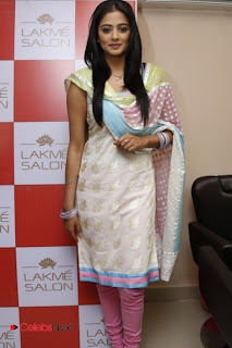 Priyamani Pictures in Salwar Kameez at Lakme Salon Launch at Secundrabad  0009