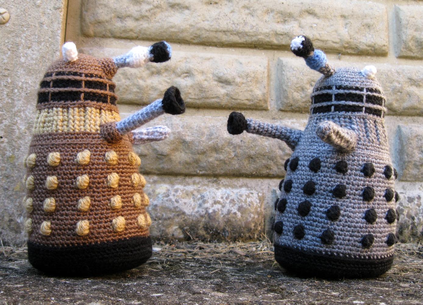 Free Baby Blanket Knitting Patterns Chunky Yarn : LucyRavenscar - Crochet Creatures: Dalek Amigurumi Pattern - Free!