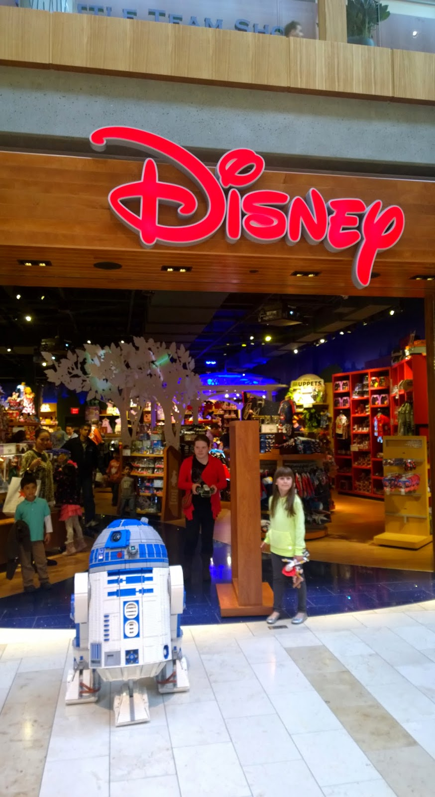 L3-G0 at the local Disney Store