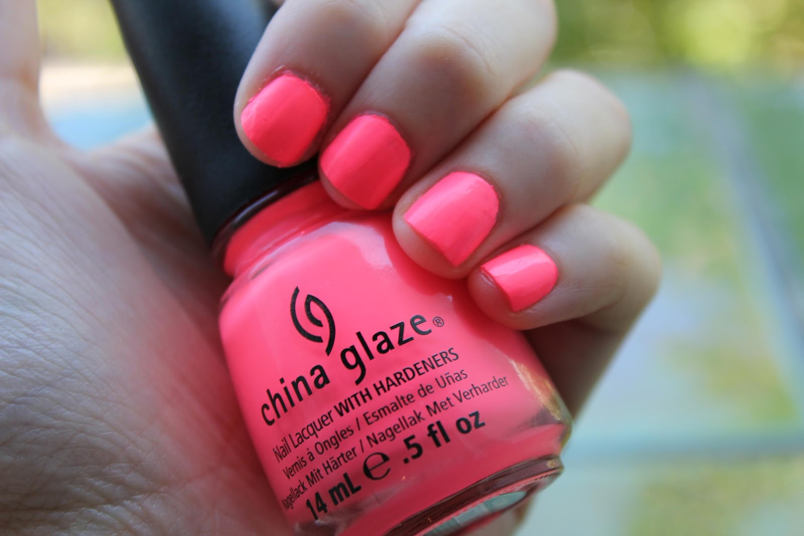Girly Frame: Nail of the day - Neon party