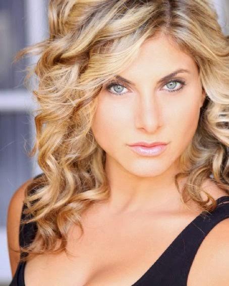 Serena Lorien Nude Photos 62