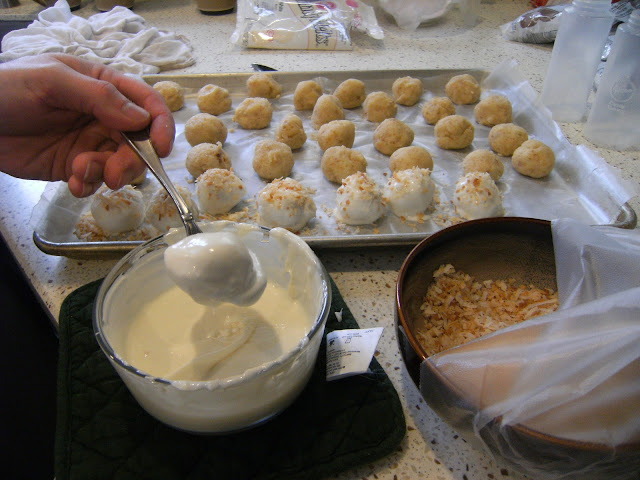 How to Make Cake Balls
