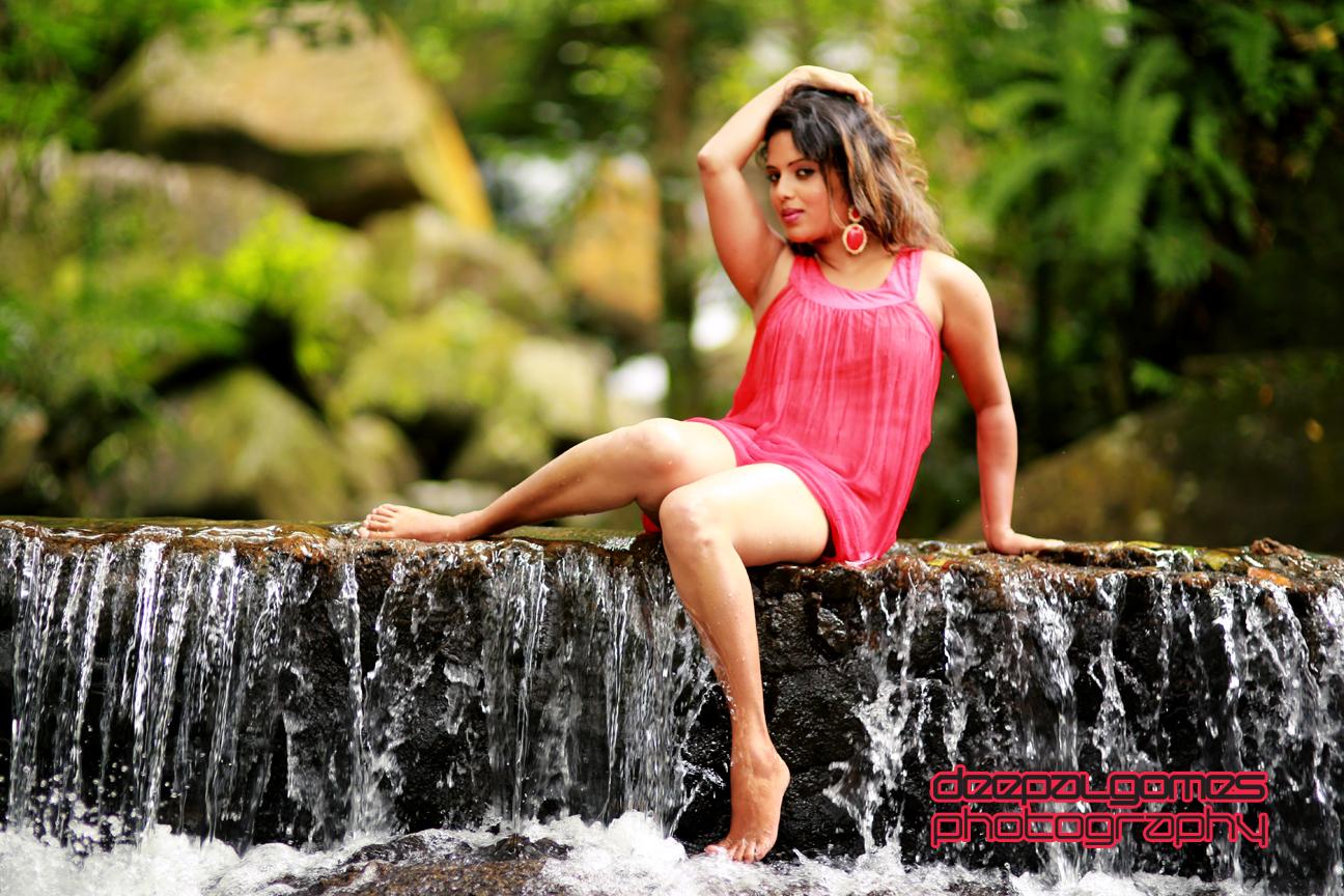 Nuwangi Bandara new hot photos in bikini