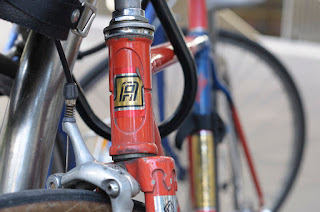 Austral, bike, bicycle, the biketorialist, biketorialist, single speed, fixed speed, fixie, Melbourne, Victoria, Australia, swanston Rd, red, frame, velocity , tim macauley, timothy macauley, headtube head tube, decal, head badge, lugging, lug