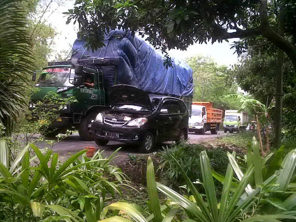 Toyota Avanza Mogok Probolinggo