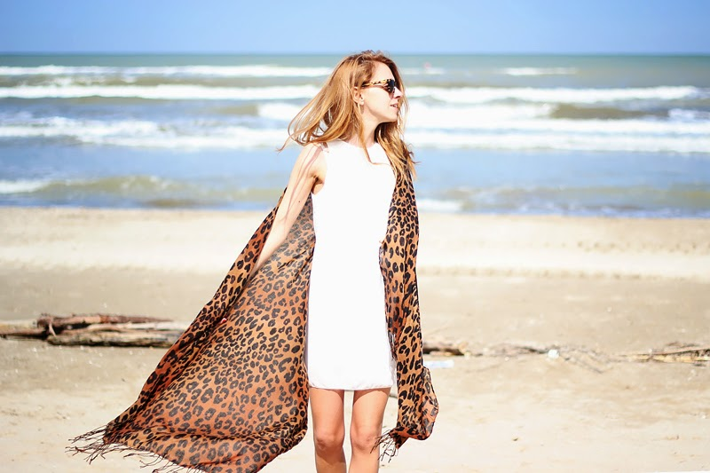 little white dress, leopard scarf, beach look