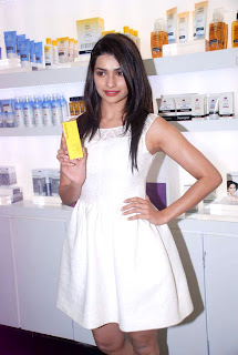 Neutrogena's products Launched by Prachi Desai