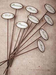 Tabuletas de madeira para vasos