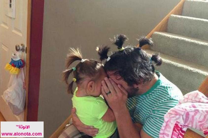 آباء يلعبون مع بناتهم