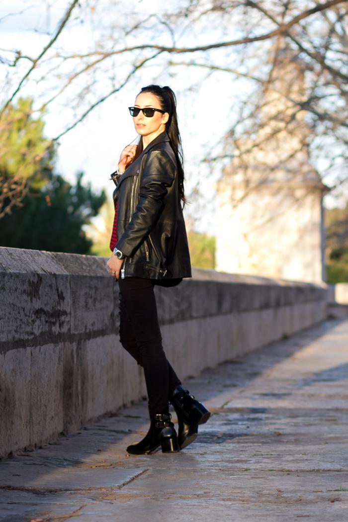 Jeans negros rotos de Mango look bloguera moda Valencia