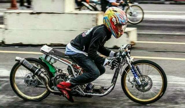 Foto Hendra Kecil Drag Bike Hendra Kecil Turun di Drag