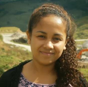 Dili Beautiful Girls Photo
