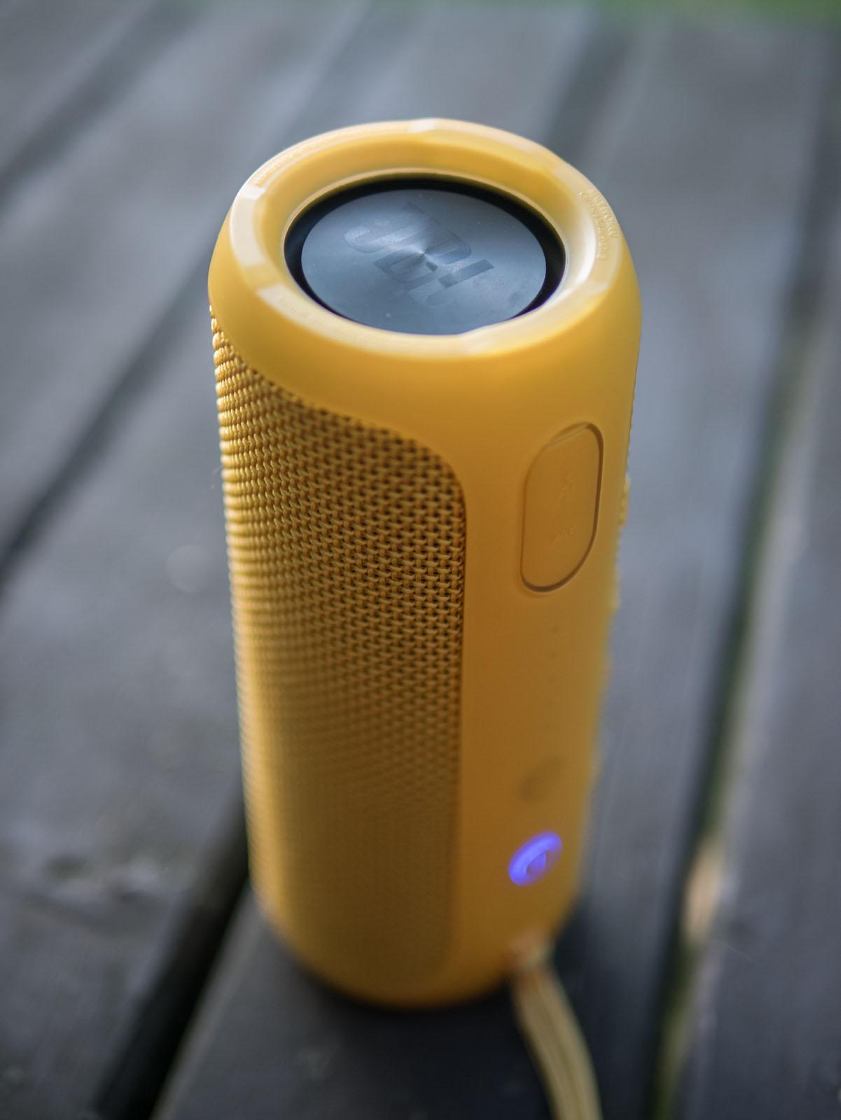 Oluvs Gadgets Review Jbl Flip 3 The Ue Boom Killer Speaker Besides Srx Subwoofer Speakers On Wiring With