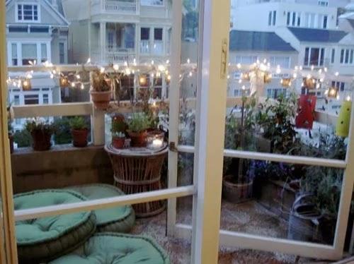 Christmas Decorating Ideas For A Balcony : Balconies christmas garden park
