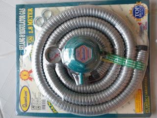 1 paket dijual regulator kompor gas dan selangnya