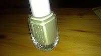 esmalte de essie verde