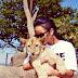 Rihanna posa com animais na África!