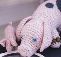 http://translate.googleusercontent.com/translate_c?depth=1&hl=es&rurl=translate.google.es&sl=en&tl=es&u=http://www.canadianliving.com/crafts/crochet/crocheted_dolls_pig_and_piglet.php&usg=ALkJrhjLQS6b9WD8sMAScqB3ad-00ippwA