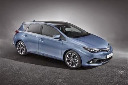 Mobil Toyota Corolla Auris Terbaru