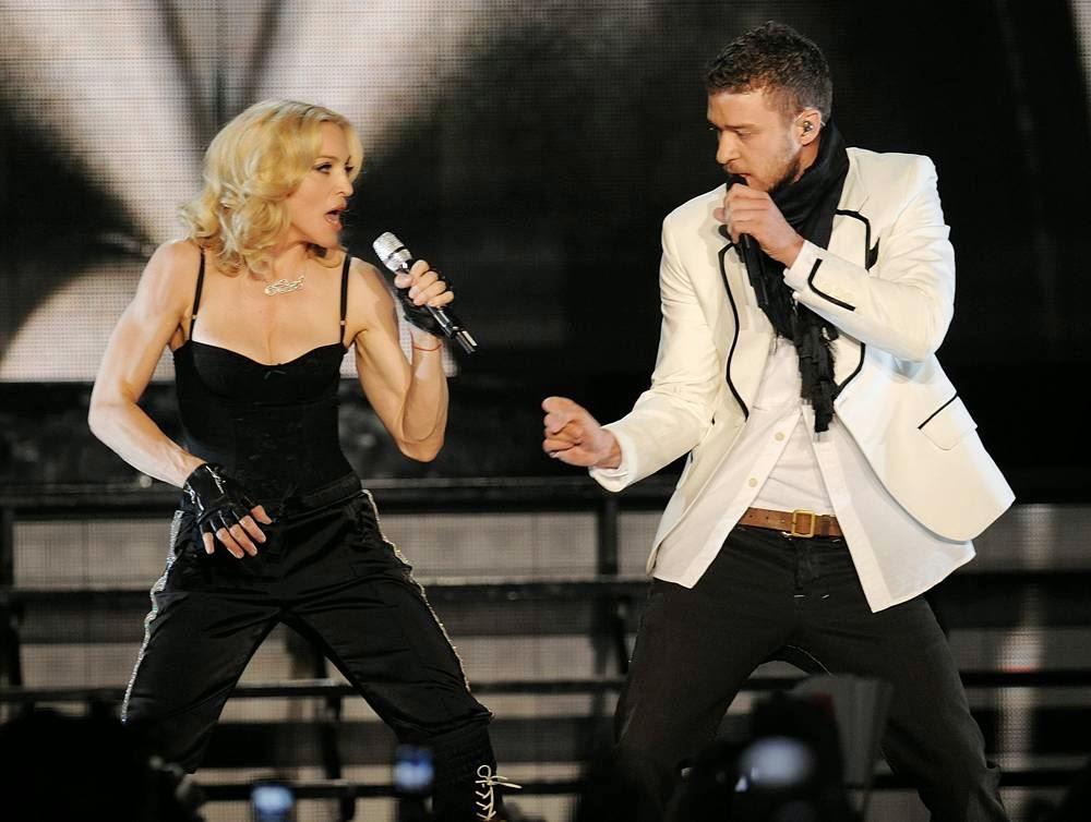 Мадонна: История в фотографиях,  Джастином Тимберлейком