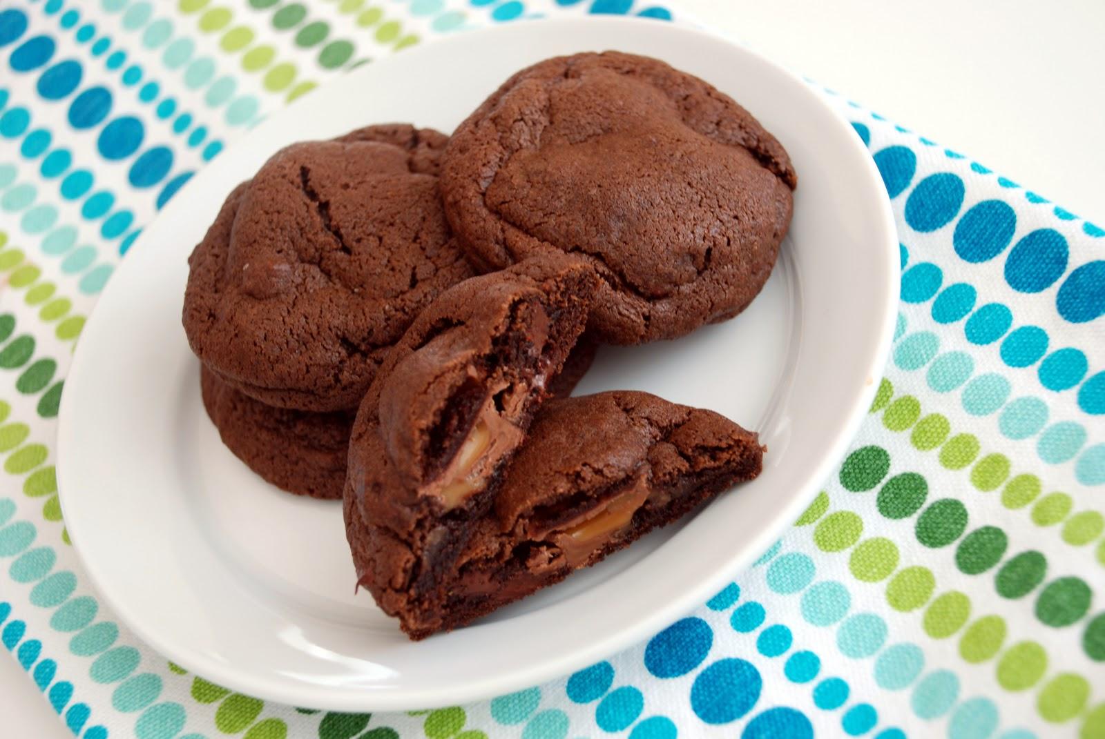 Sweet Flours: chocolate caramel kiss surprise cookies