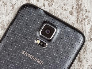 Samsung replaces mobile the head of design team
