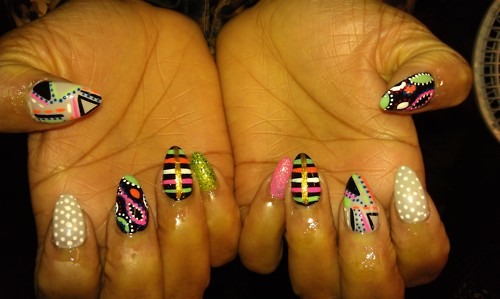 What To Wear In 2012 Neon Nails Jbstylezone