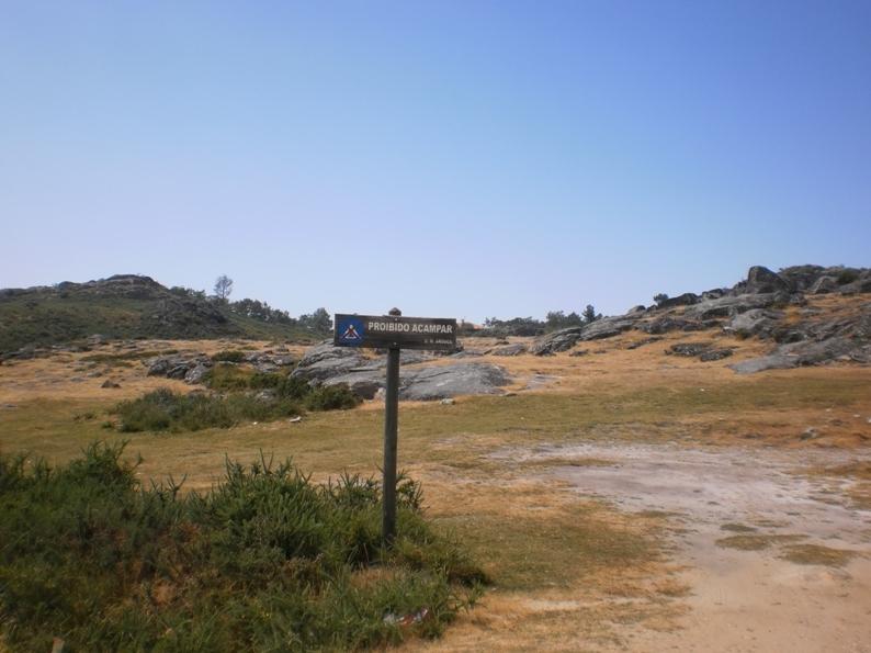 Na zona da Praia fluvial da Mizarela é proibido acampar