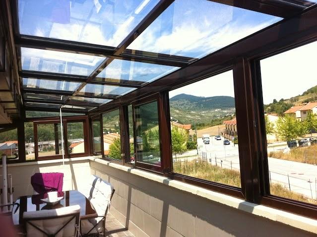 Porche de techo de vidrio cerramientos y cubiertas para - Acristalamiento de terrazas precios ...