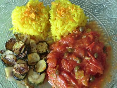 Thon à la tomate et aux câpres