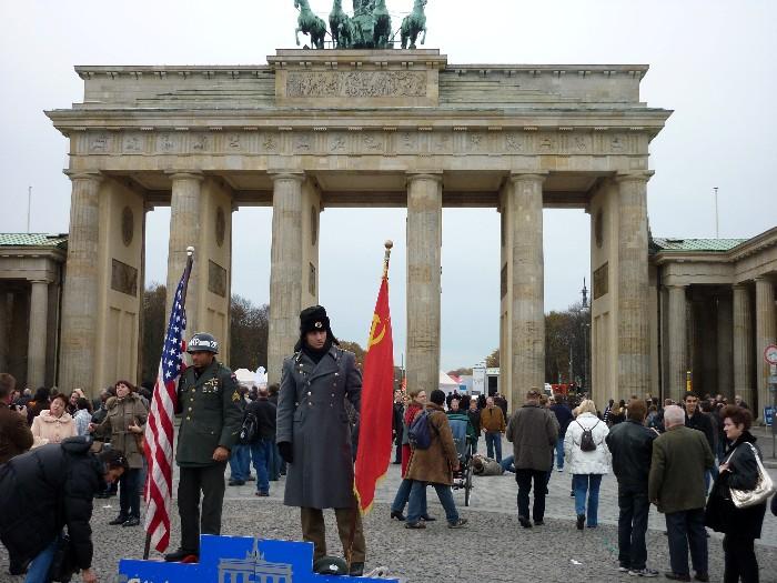 Cosa vedere a berlino secondo giorno - Berlino porta di magdeburgo ...