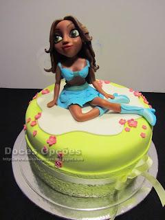 Bolo de aniversário com a Winx Layla