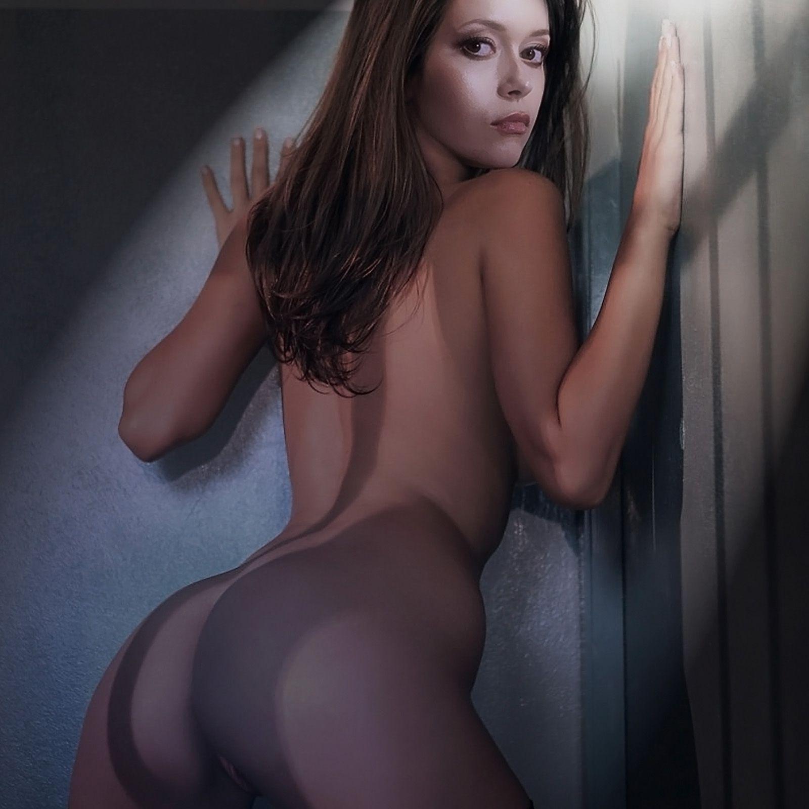 Naked Summer Glau 51