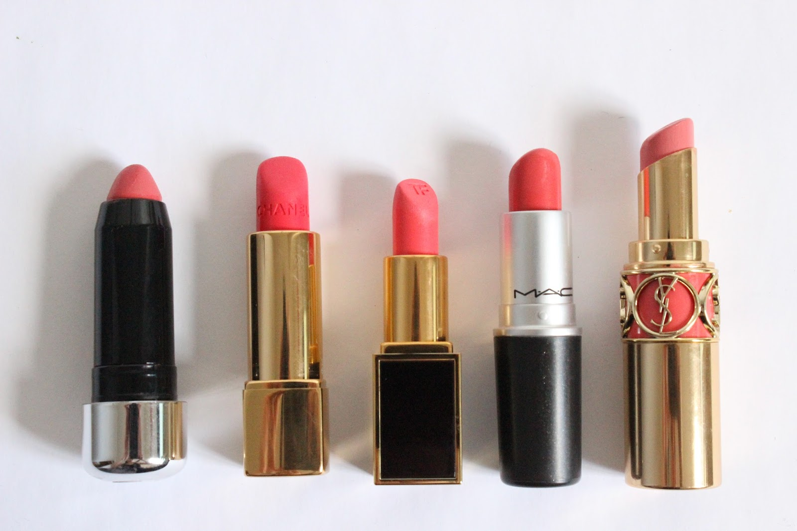Top 5 | Coral Lipsticks L-R Marc Jacobs Heartbreaker, Chanel Melodieuse, Tom Ford Matthew, Mac Vegas Volt, YSL Peach Passion.