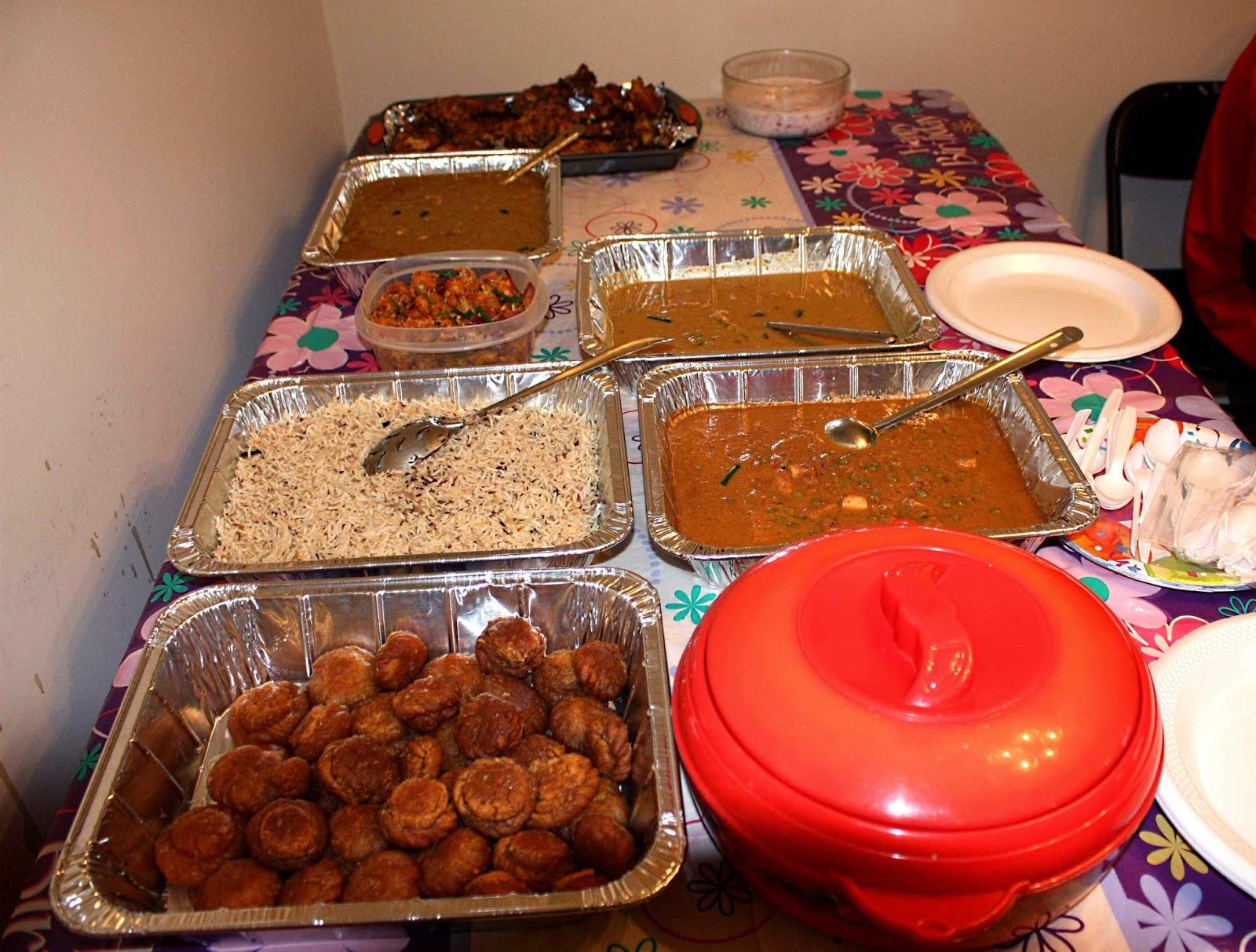Nitha Kitchen: Jungle Theme 2 Tier Birthday Cake ...