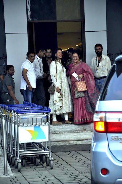 Ajay Devgan and Sonakshi return after visiting the Golden Temple