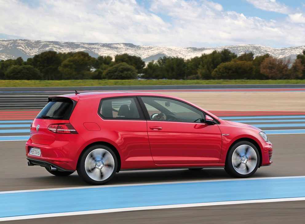 2015 Volkswagen Golf GTI 2-door red