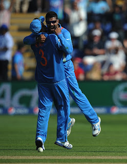 Ravindra-Jadeja-Suresh-Raina-Celebrates-India-vs-South-Africa-ICC-Champions-+Trophy-2013