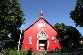 gereja merah probolinggo, lokasi gereja merah, sejarah gereja merah
