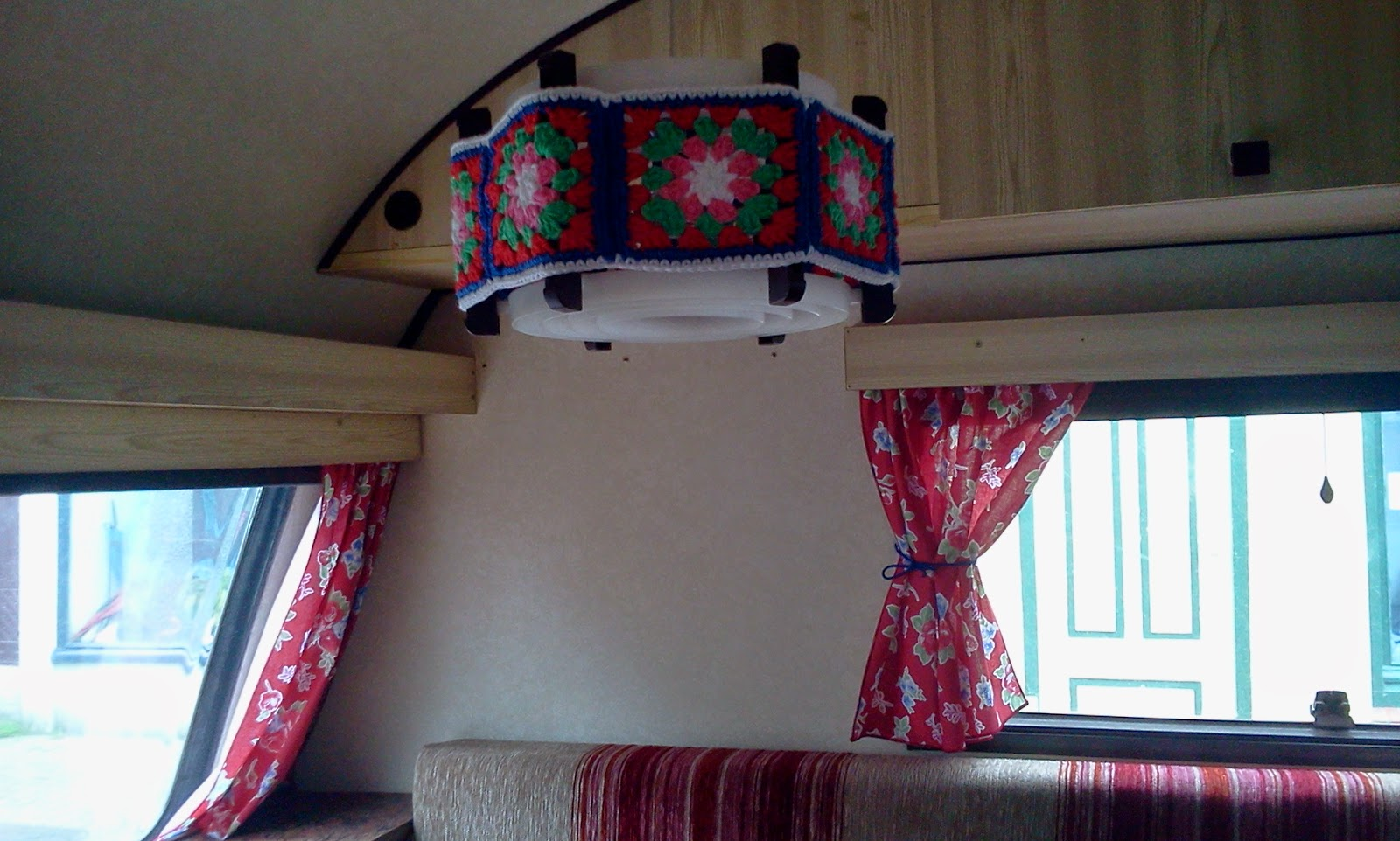 Inge wijnands kussens voor de caravan - Kussen caravan ...