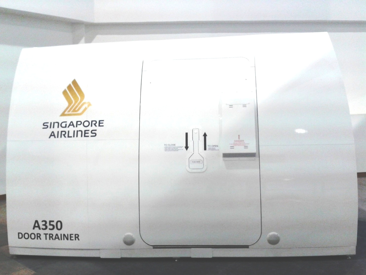 EDM announced last month the A350 Door Trainer it manufactured for Singapore Airlines passed its Site Acceptance Test (SAT). & A350 XWB News: A350 Door Trainer manufactured for Singapore Airlines. pezcame.com