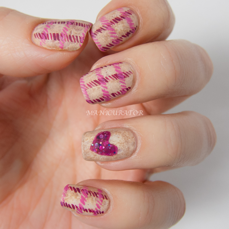 Nailtini_Lacquer_Cabinet_Zoya_Valentine_Tweed_Freehand_Heart_Nail_Art