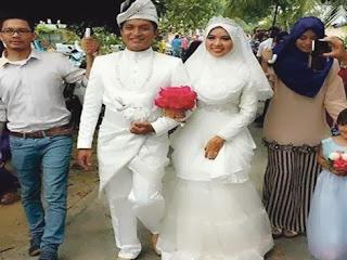 Lelaki Jahit Sendiri Baju Kahwin