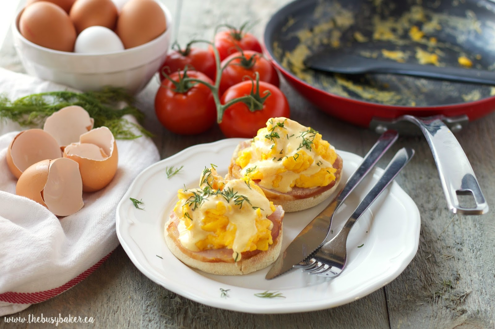 Watch How to Make Scrambled Eggs Benedict video