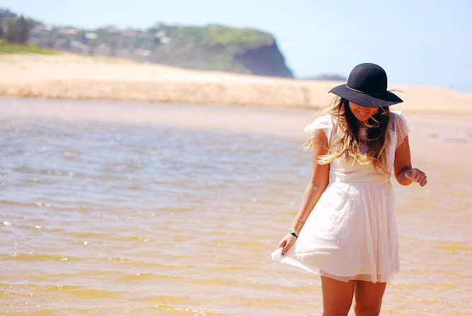 Beach Photoshoot Terrigal Lucy and The Runaways