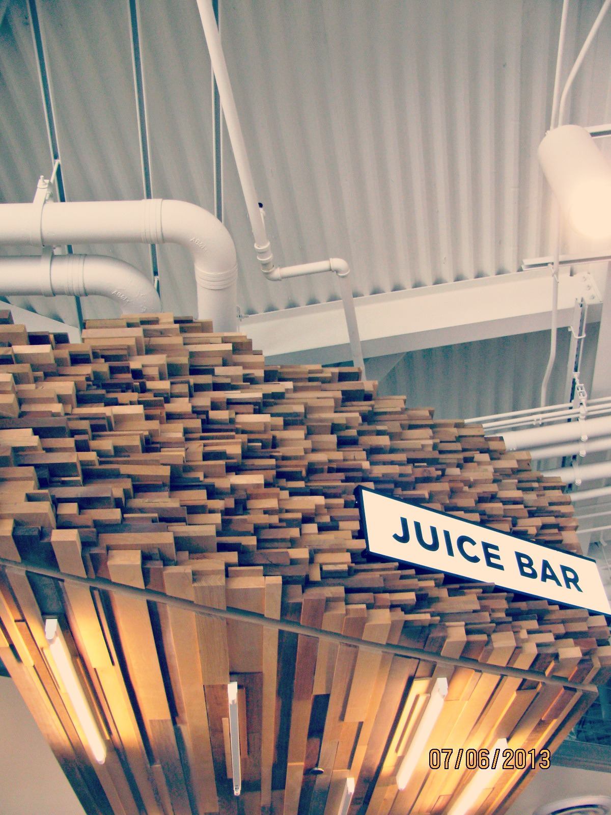 Santa Monica Place // The Juice Bar at The Market