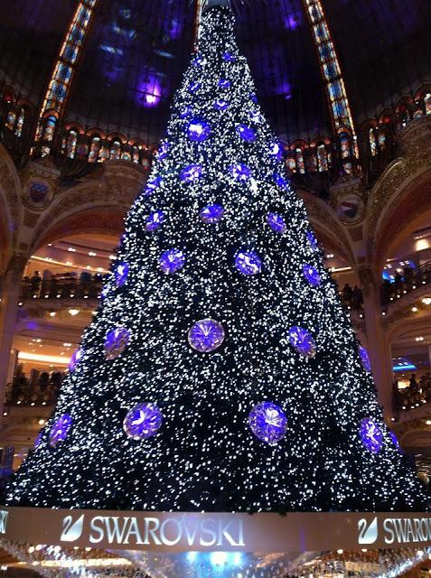 Sapin de Noël en Swarovski aux Galeries Lafayette
